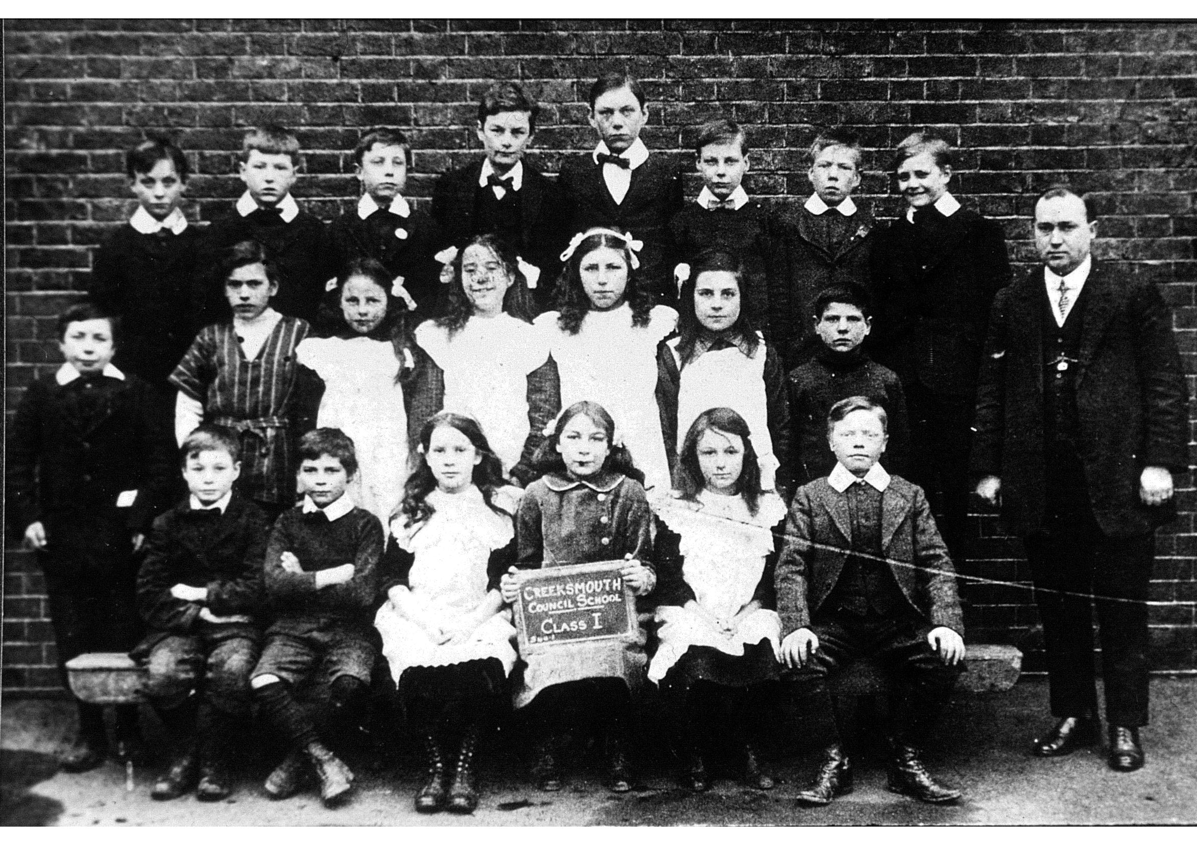 Photograph of pupils from Creekmouth School circa. 1910