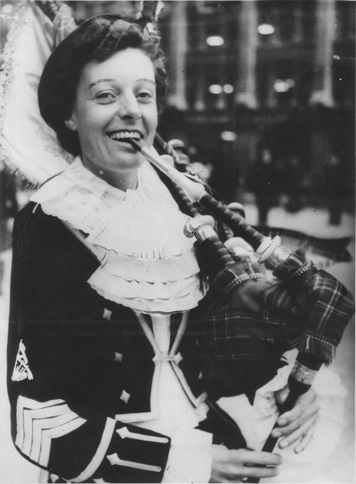 Pipe Major Peggy Iris (1919-2016) photographed in the 1950s (Photo courtesy of the David Land Agency)